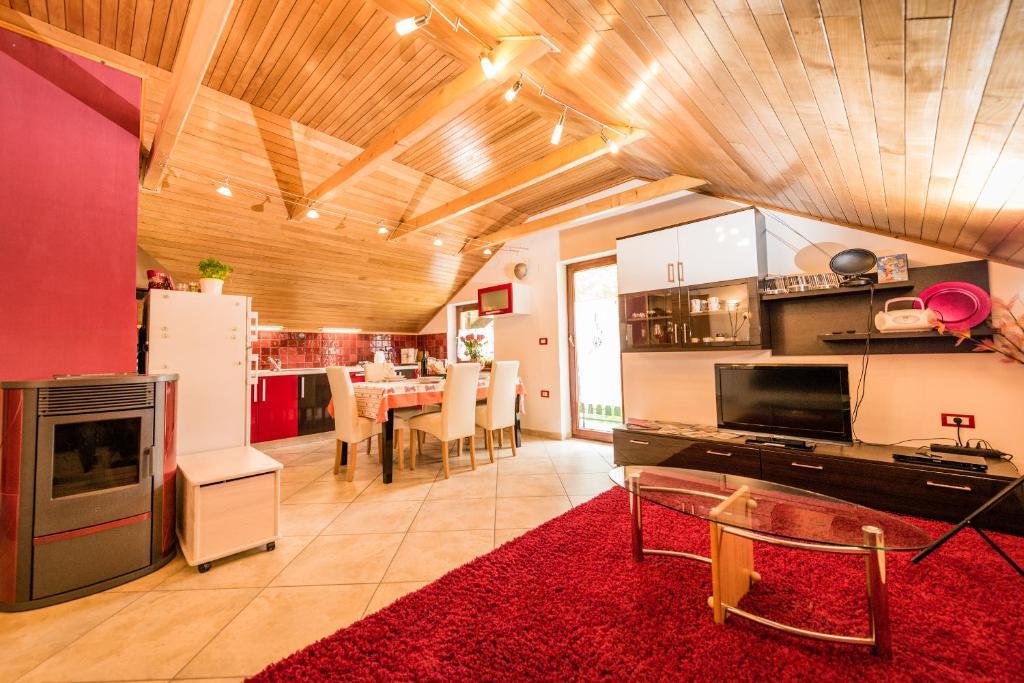 A kitchen or kitchenette at Apartma Zoran