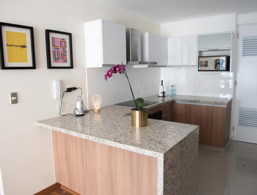 ba0d7fb9600 Eduardo Designer Apartments Miraflores