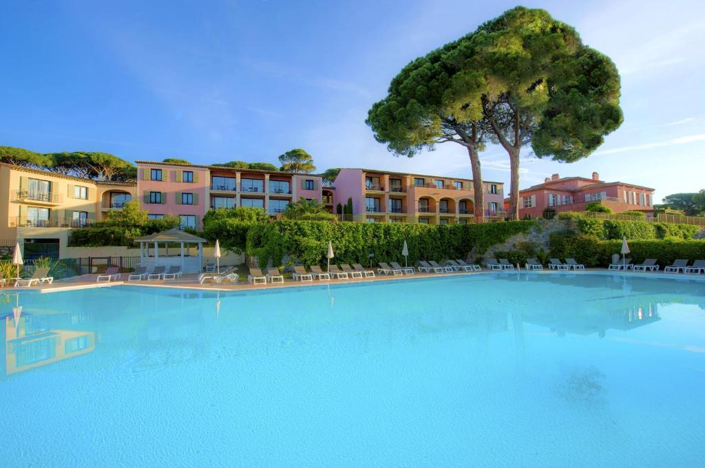 Piscine de l'établissement Hôtel Les Jardins De Sainte-Maxime ou située à proximité