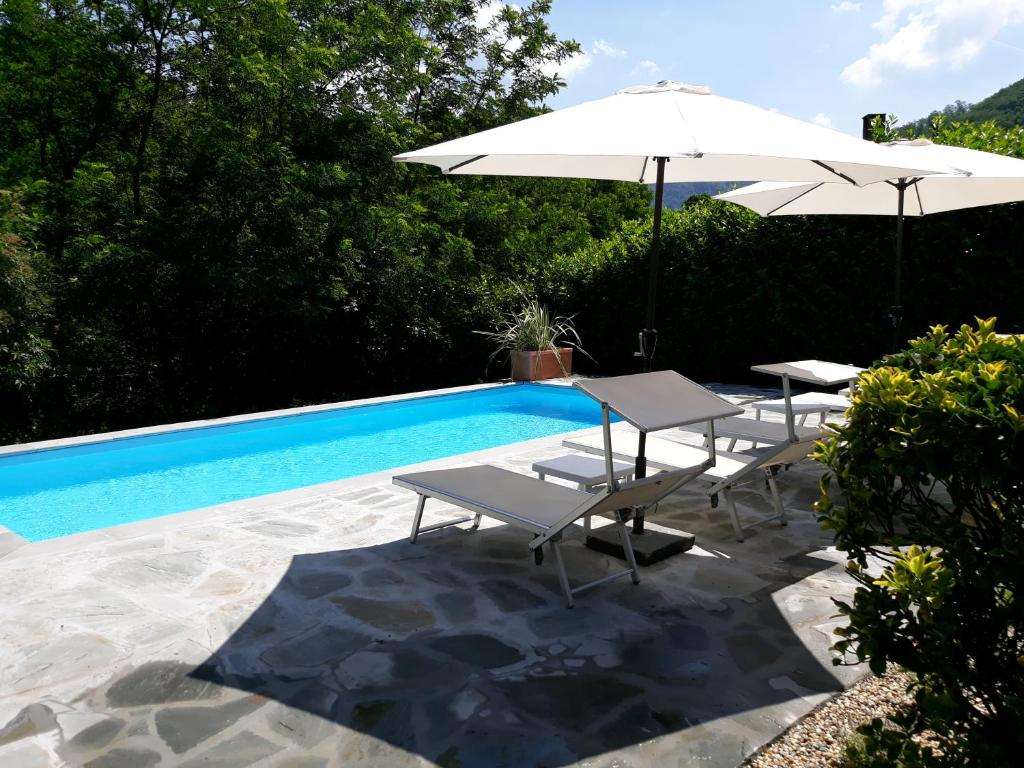 Villa casa webb bagni di lucca italy - Hotels in lucca italy with swimming pool ...