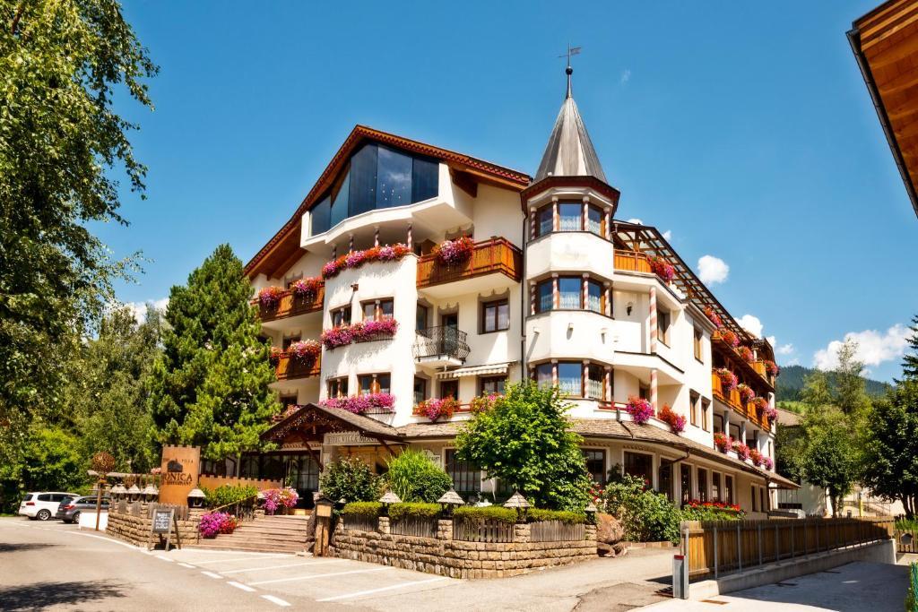 Hotel Villa Monica, Dobbiaco (Toblach) – Prezzi aggiornati per il 2019