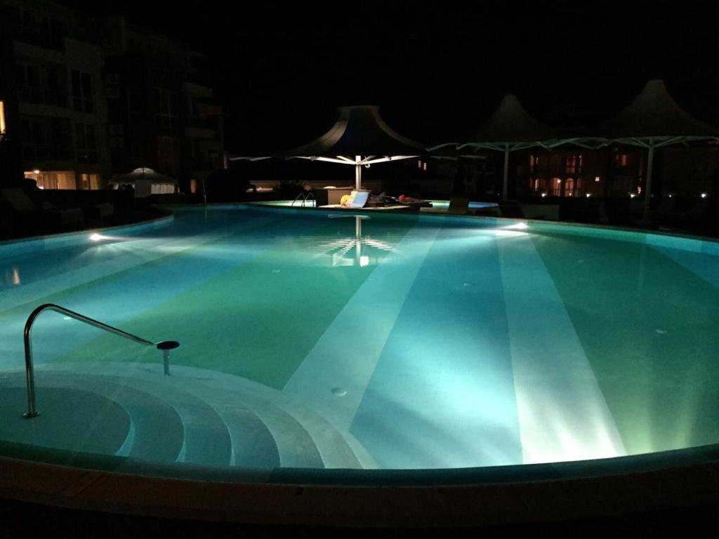Апартамент Private in Sunny Island Complex - Черноморец