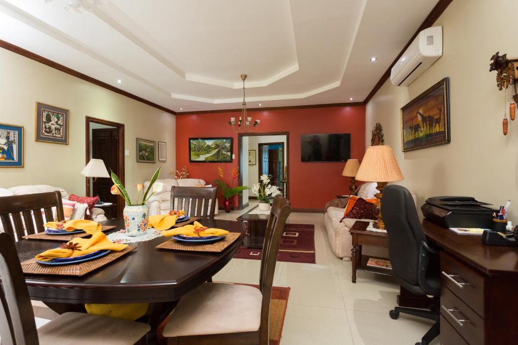 Apartment Devon House Apts, Kingston, Jamaica - Booking com