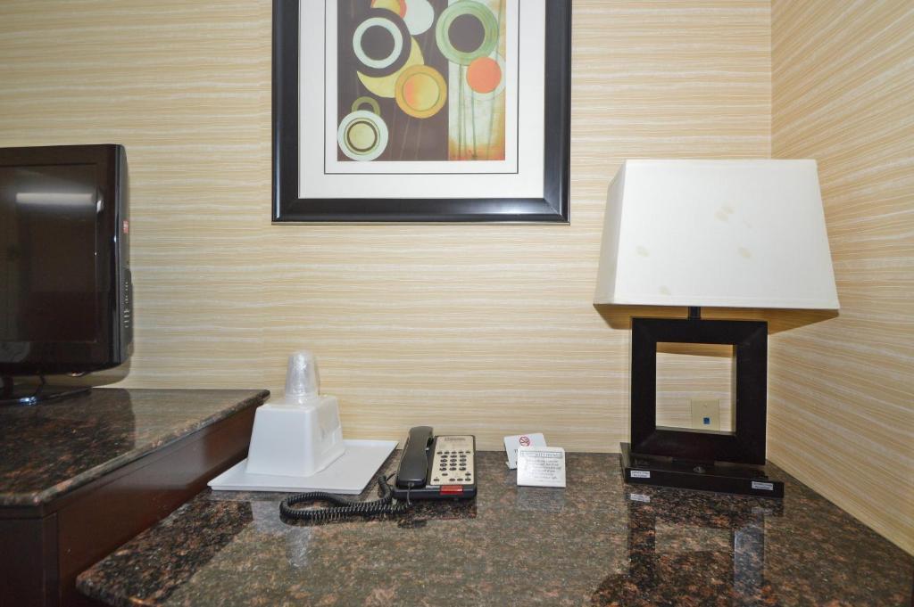 Mini Kühlschrank Corona : Corona hotel new york usa queens booking