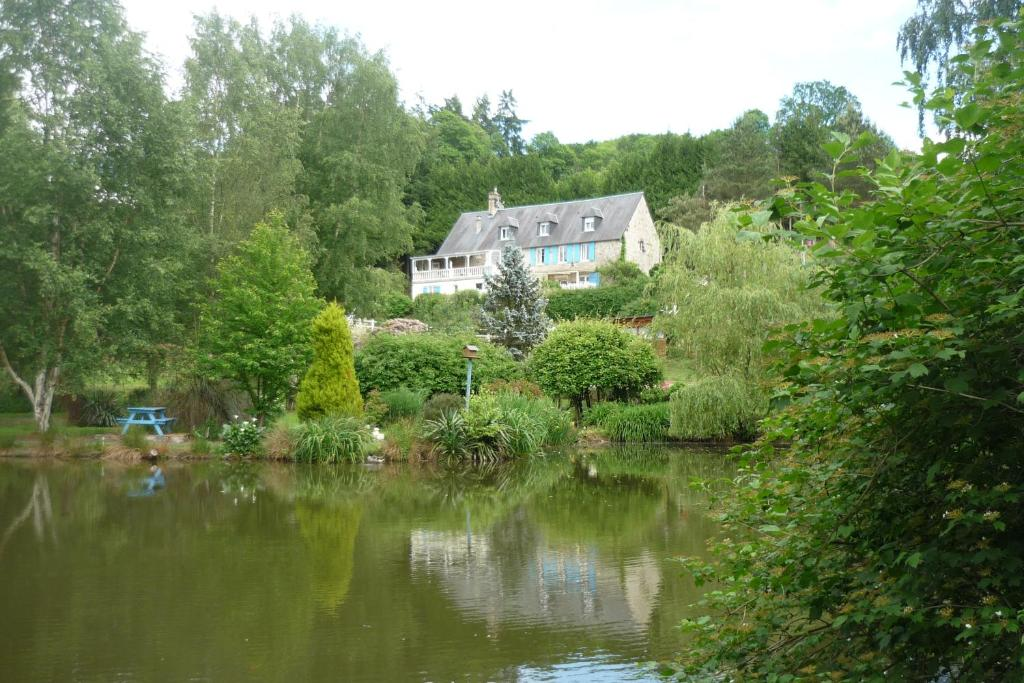 Apartments In Saint-brice-de-landelles Lower Normandy