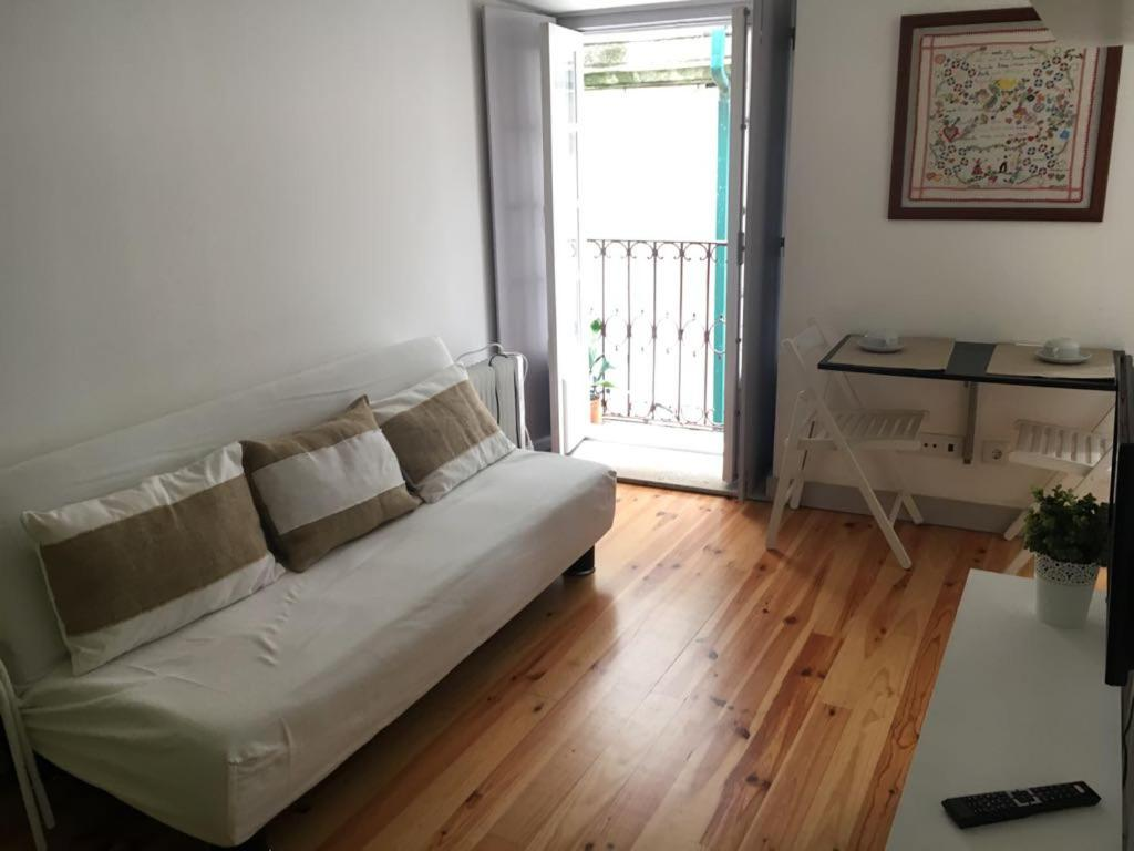 A seating area at Cantinho da Matriz
