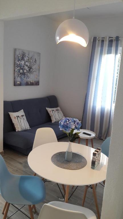 A seating area at Apartments Villa Antony
