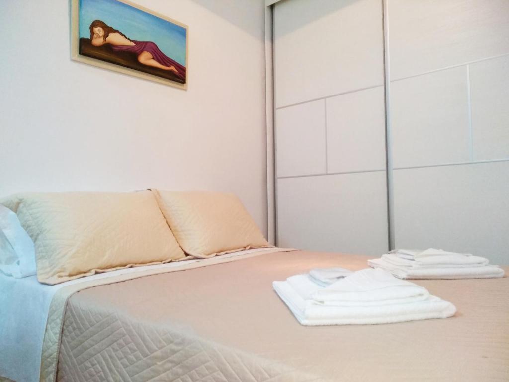 charmantes appartement design singapur, polymnia's apartment, matala, greece - booking, Design ideen
