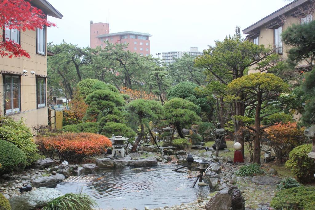 ポイント1 和の文化を味わう館内と中庭