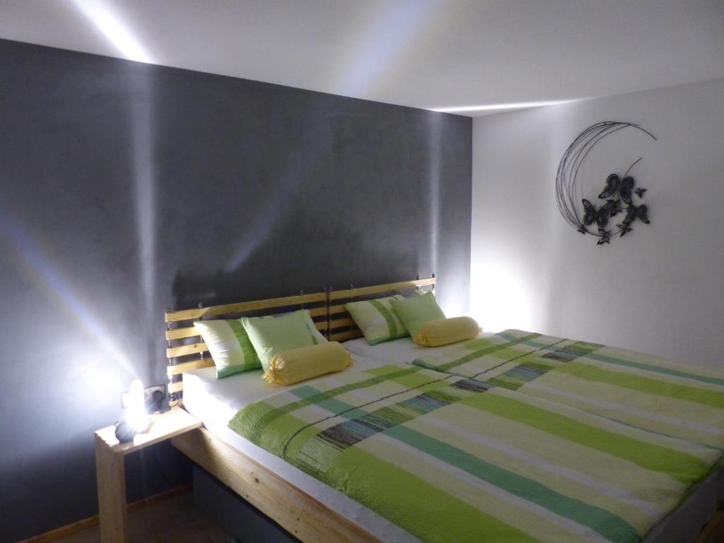 Ongekend Apartment Ferienwohnung Heimsheim, Germany - Booking.com BI-72
