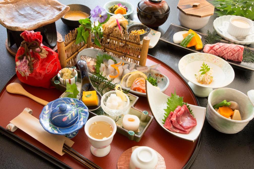 ポイント2.阿蘇の旬を食べ尽くす食事