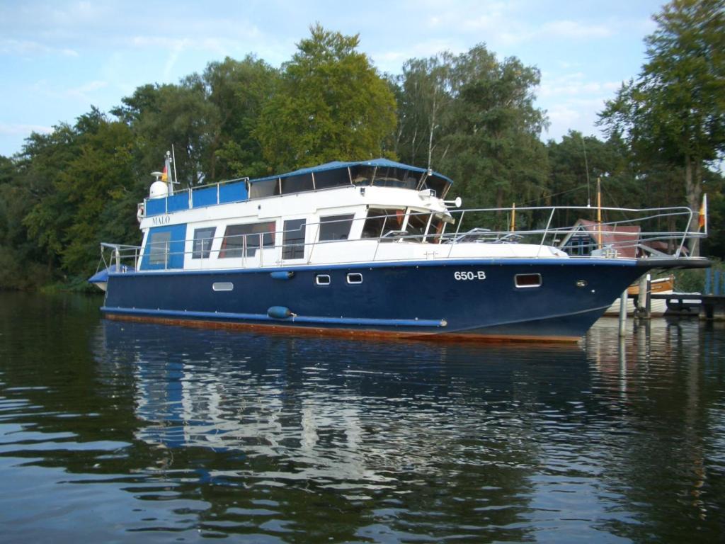 Hotel Hausboot Normandie (Deutschland Fürstenberg-Havel) - Booking.com