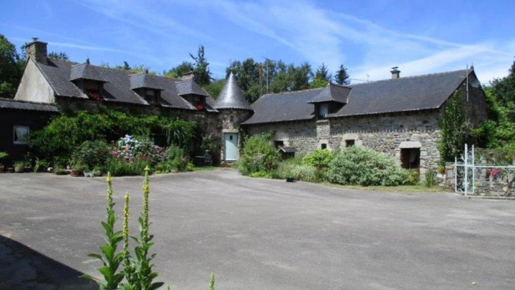Apartments In Rohan Brittany