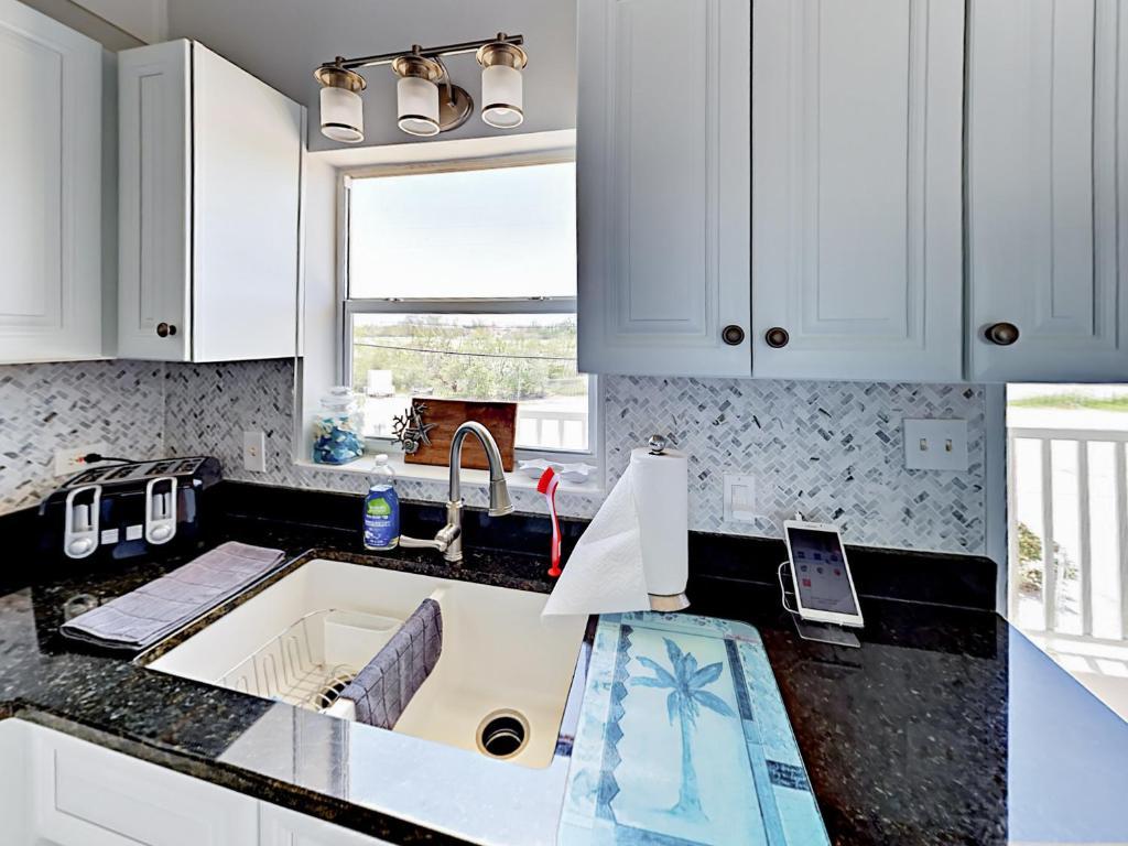 Apartment 99 Sombrero Blvd Duplex Unit B Duplex, Marathon, FL ...