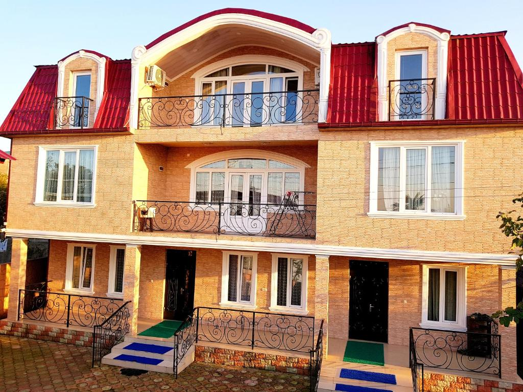 Dato56 Dato Kelenjeridze: Гостевой дом Dato House 56 (Грузия Батуми)
