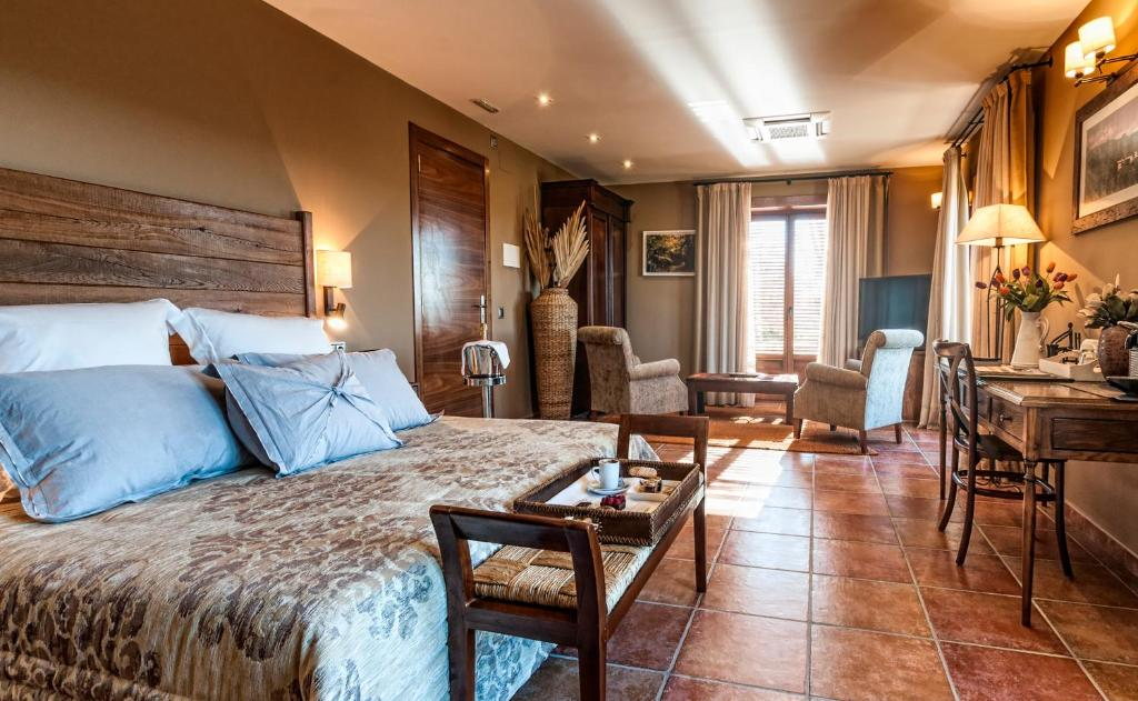 boutique hotels in sant felíu de pallarols  21