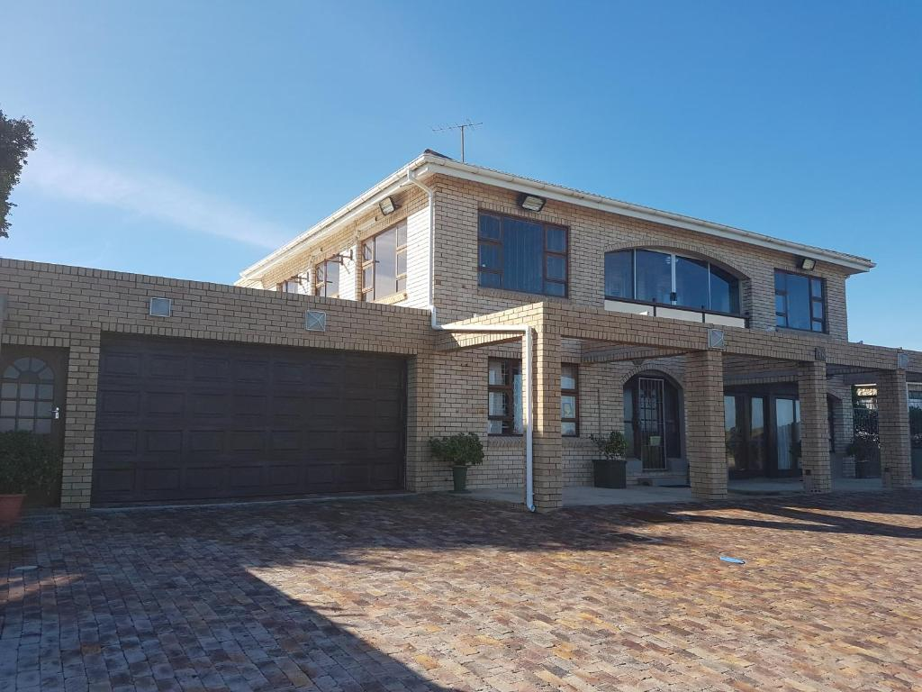 Marine drive apartment port elizabeth updated 2019 prices - Port elizabeth airport address ...