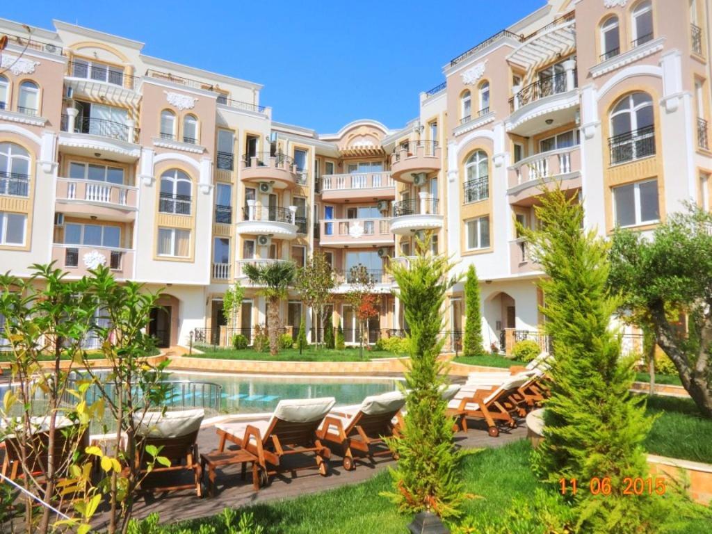 Апартамент Mellia - Равда