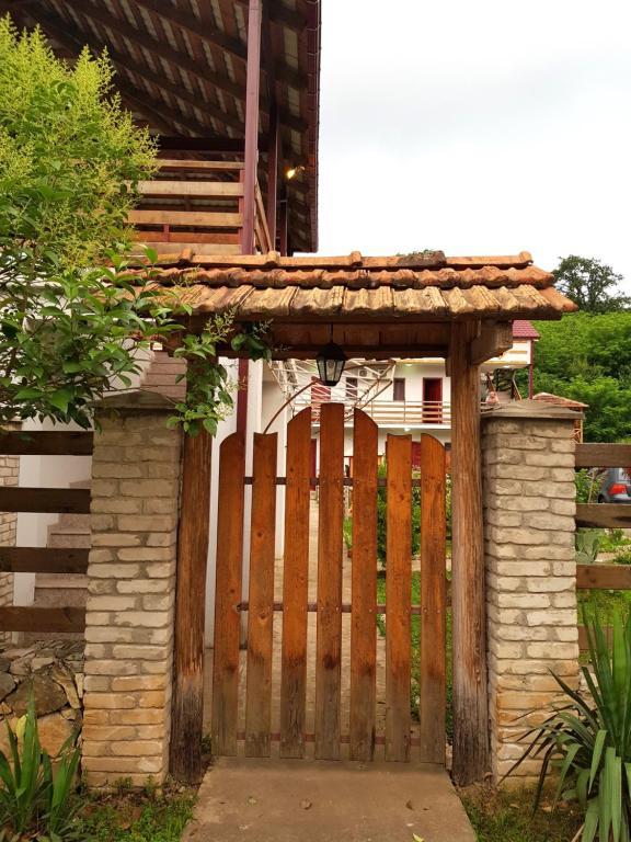 Hotel Prometes Gate