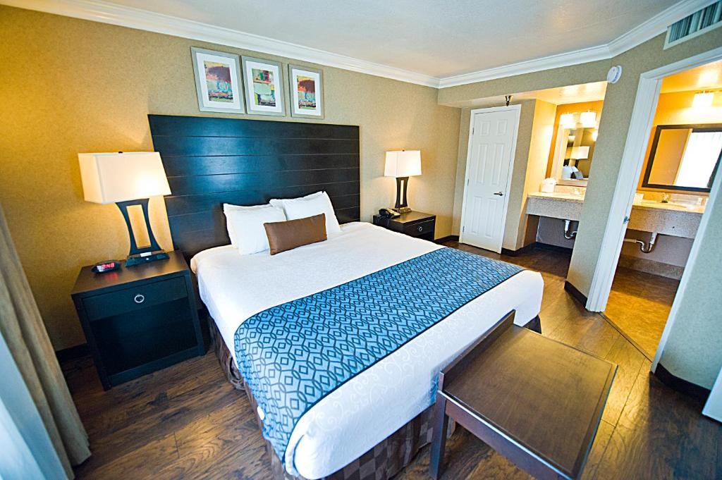 BEST WESTERN PLUS Inn Suites Ontario Airport East Hotel & Suites