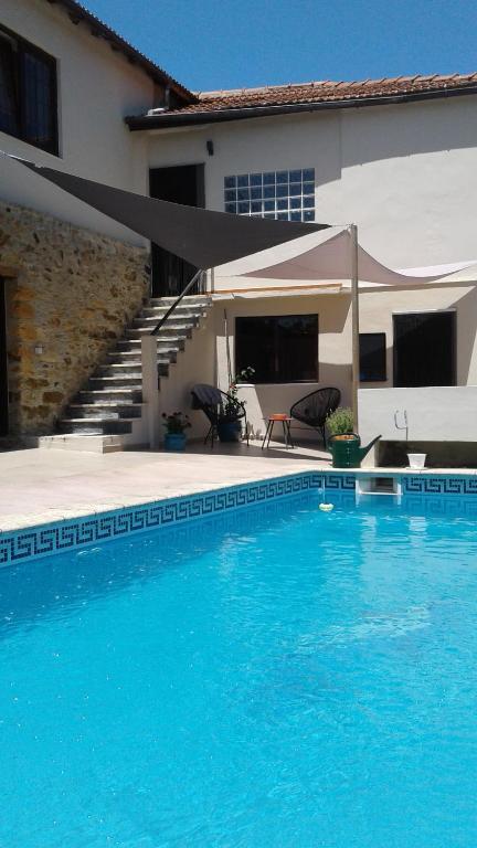 The swimming pool at or near Casa de Coco