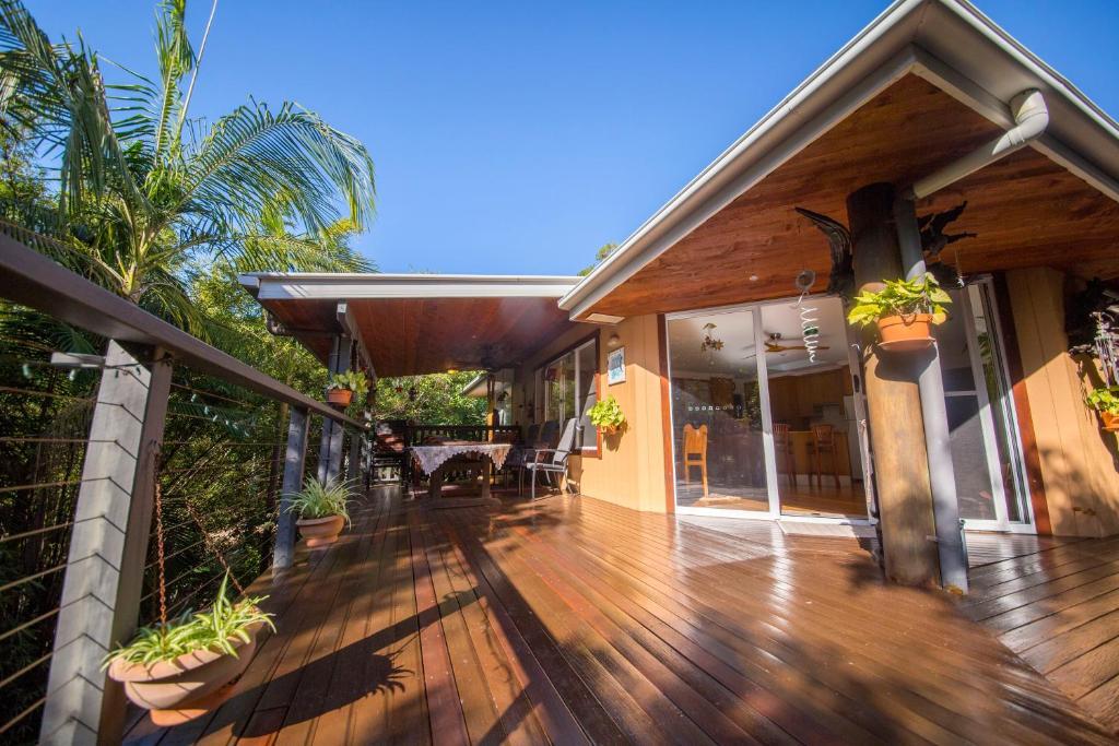 Belize Jungle Lodge Accommodations | Tree house resort ...  |Belize Treehouse Accommodation Near Beach