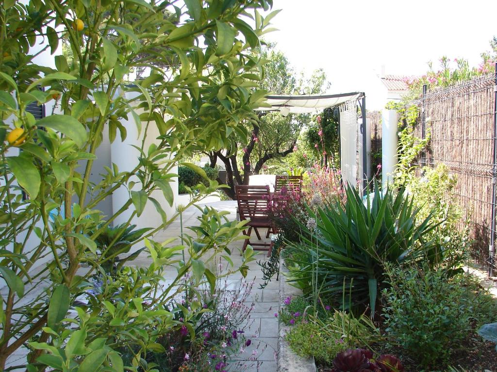 Vacation Home Au Pied Du Baou Toulon France Booking Com
