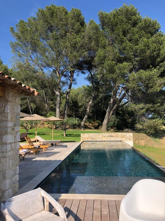 The swimming pool at or near Domaine De Pierrouret
