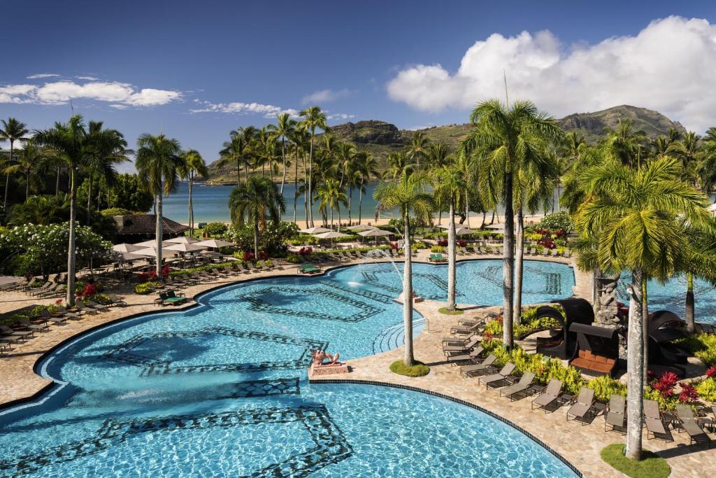 Вид на басейн у Kauai Marriott Resort або поблизу