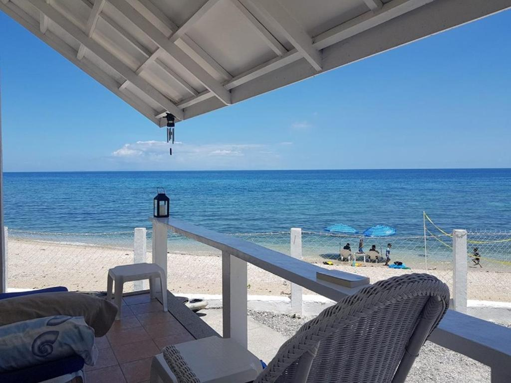 Vacation Home Santorini Beach Front House Barualite Philippines