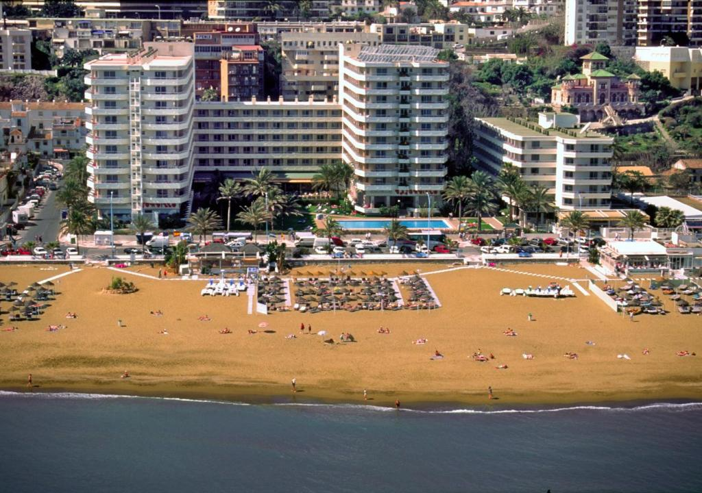how to get to torremolinos from seville