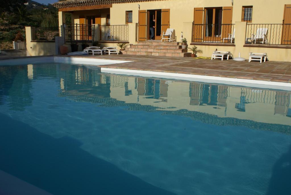 Bed & Breakfast Jardins d\'Antalya (Frankreich Grimaud) - Booking.com