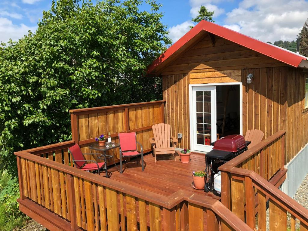 Homer\'s Downtown Tiny House, Homer – Updated 2018 Prices