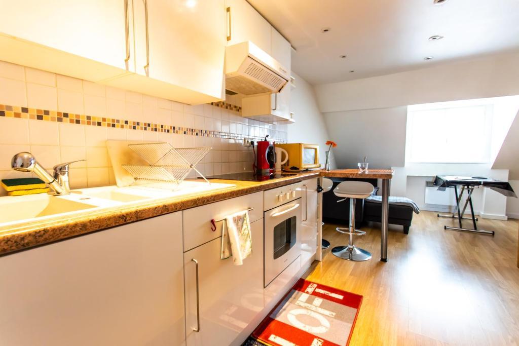 appartement le rimini france lille. Black Bedroom Furniture Sets. Home Design Ideas
