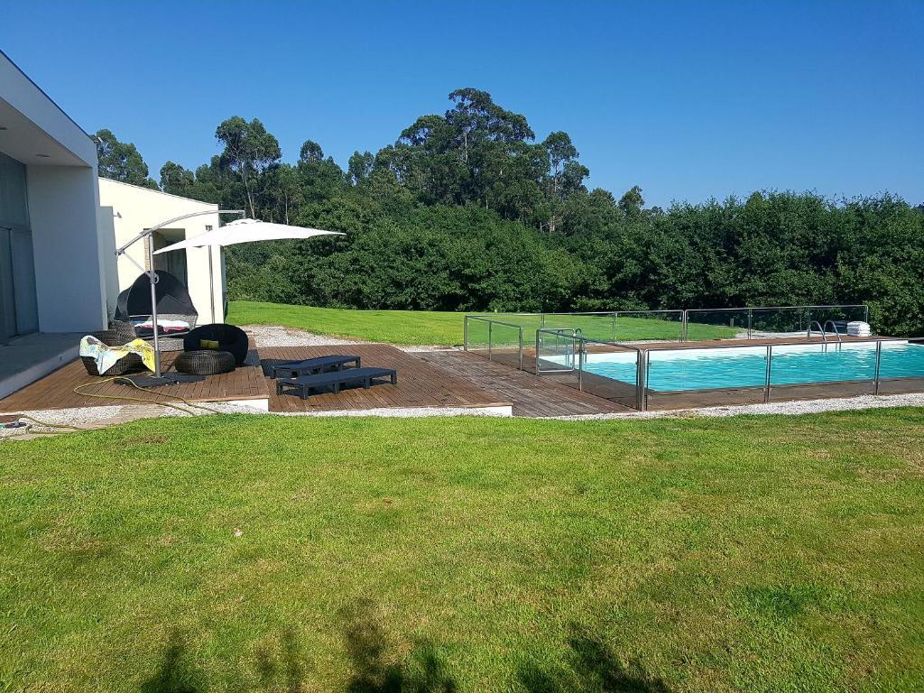 The swimming pool at or near Casa de Coyra