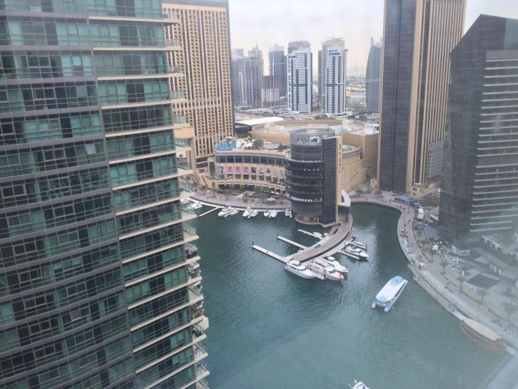 Yanjoon Holiday Homes Al Sahab Dubai Marina Uae Booking Com