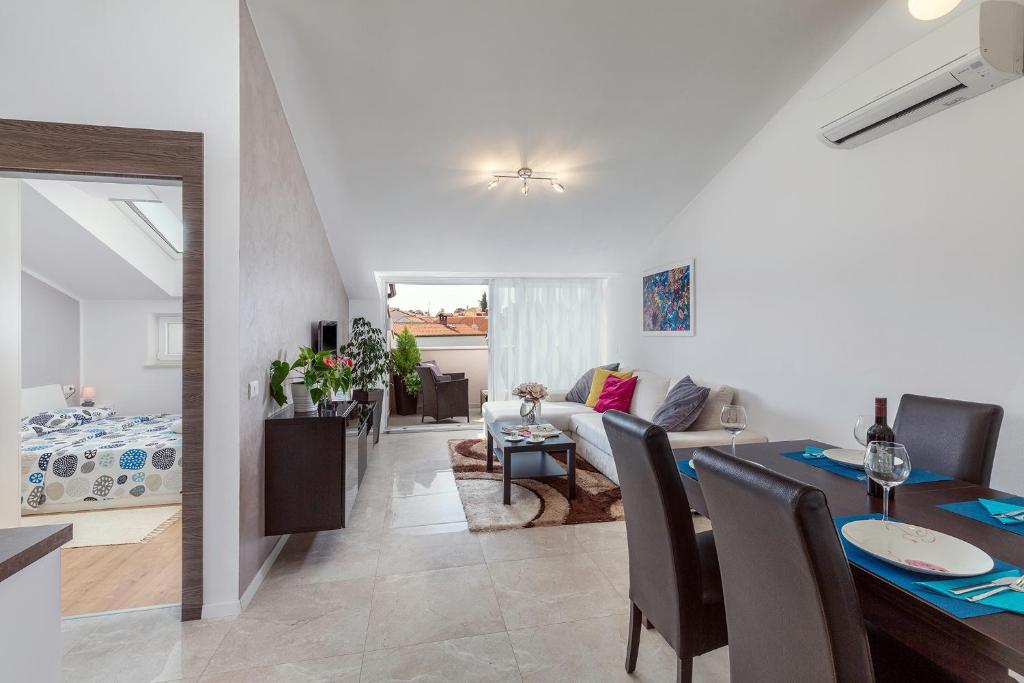 Bett Im Schlafzimmer Design Modern Italienisch Lecomfort , Apartment Fiore Kroatien Poreč Booking