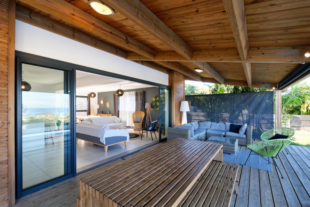 villa ecrin de bourbon la saline les bains reunion. Black Bedroom Furniture Sets. Home Design Ideas