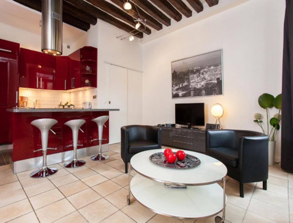 apartment apt marais maire 1 bed paris france. Black Bedroom Furniture Sets. Home Design Ideas