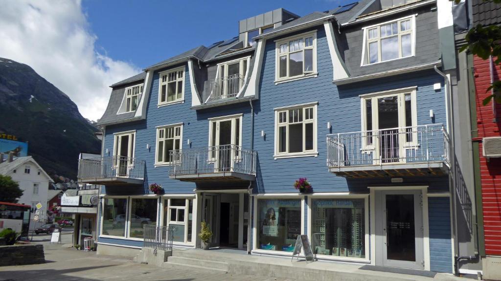 Apartment Bakkegata - The blue House, Odda, Norway - Booking.com on