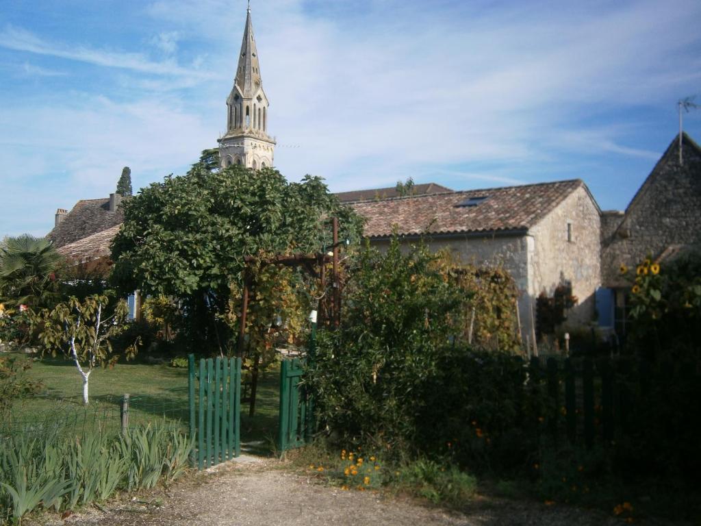 Apartments In Rives Aquitaine