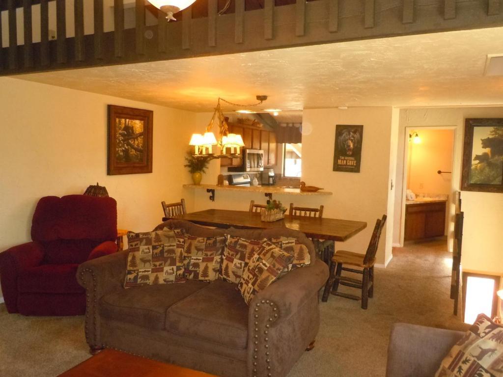 7395d9033 Feriehus Two-Bedroom Premier Townhouse Unit #83 by Snow Summit ...
