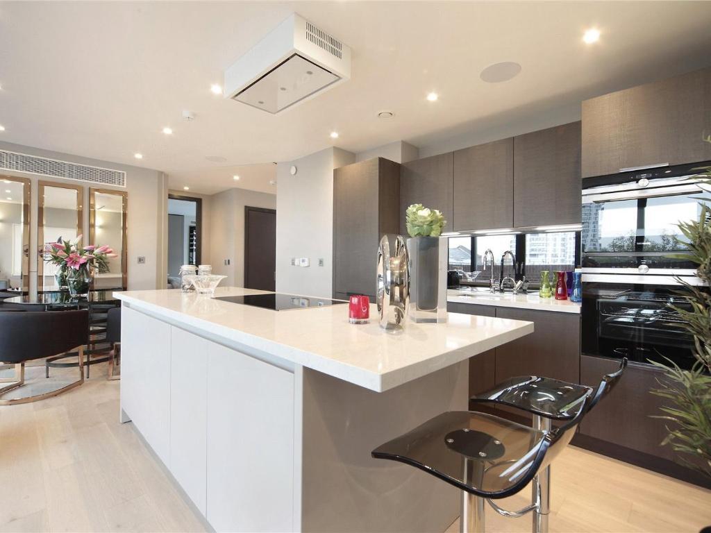Apartment Luxury Penthouse London, UK - Booking.com