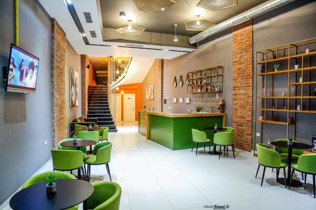 The lounge or bar area at Arc Hotel Tirana