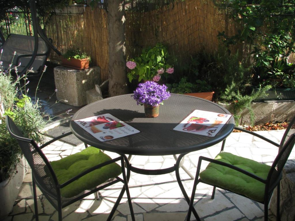 A porch or other outdoor area at Apartment Magnolija