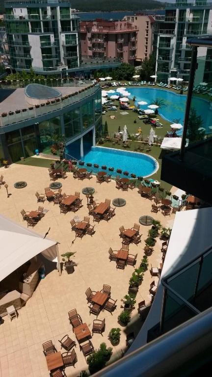 Апартамент Private in Hotel Primorsko Del Sol - Приморско