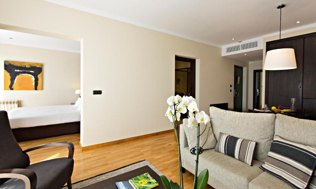 boutique hotels in girona  281