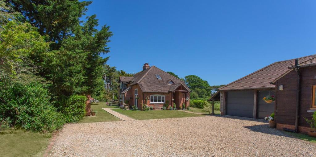 34fccf735 Linden House, West Wittering – Updated 2019 Prices