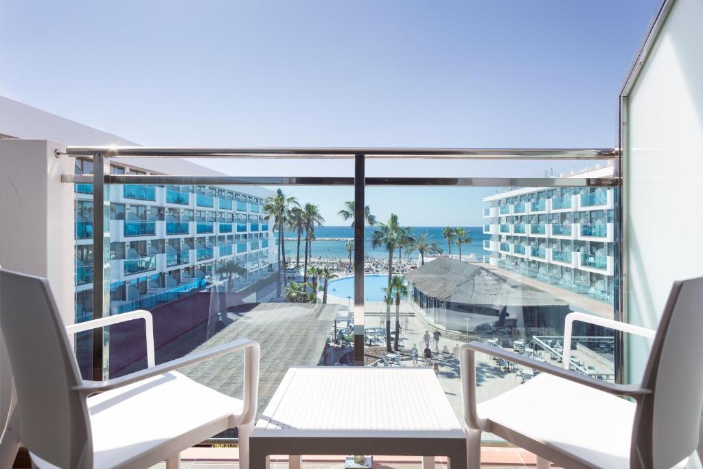 Hotel Best Maritim Cambrils Spain Bookingcom