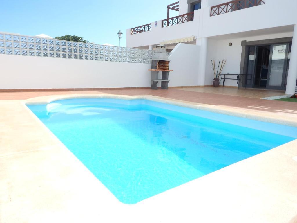 Villa con piscina privada playa blanca spain - Villas en lanzarote con piscina privada ...
